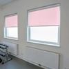 Afbeelding van Rolgordijn op maat Cassette vierkant - Roze licht macaron Verduisterend
