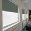 Afbeelding van Rolgordijn brede ramen Cassette rond - Glans multicolor grijs Transparant